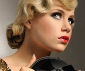 The Vintage Look with Finger Waves
